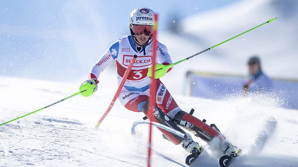 Camille Rast unterwegs beim Slalom im Hoch-Ybrig