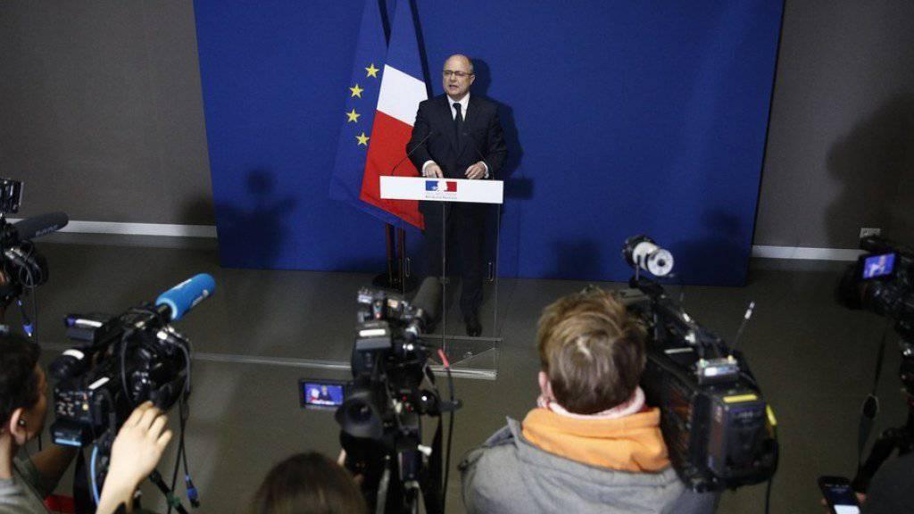 Frankreichs Innenminister Bruno Le Roux am Dienstag bei der Bekanntgabe seines Rücktritts.