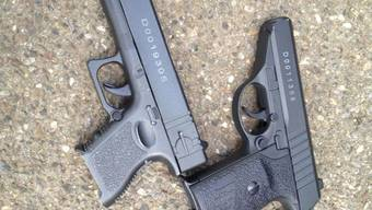 Imitationswaffen sind selbst für die Polizei nur schwer von einer echten Waffe zu unterscheiden. (Symbolbild)