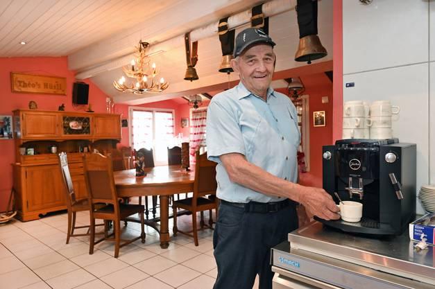 Theo Niklaus. 77-Jährig. Ehemaliger Werkhof-Mitarbeiter. Wirt. Und Fasnächtler.