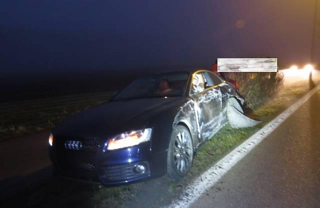 Der demolierte Audi des 21-jährigen Lenkers