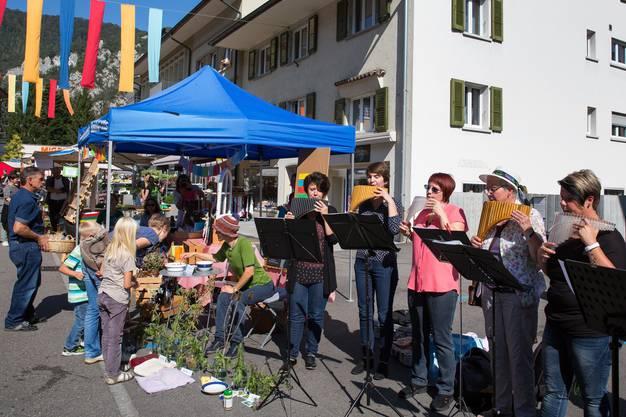 Panflötenspielerinnen von Romy Freudiger aus Aedermannsdorf gaben ein Ständchen