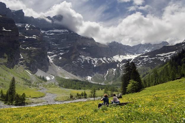 Wandern ist in allen Sprachregionen der Schweiz und in allen Altersgruppen sehr populär.