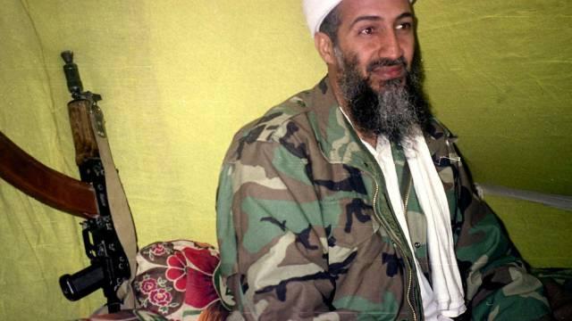 Bekam Geld von der CIA: Damaliger Al-Kaida-Chef Bin Laden (Archiv)