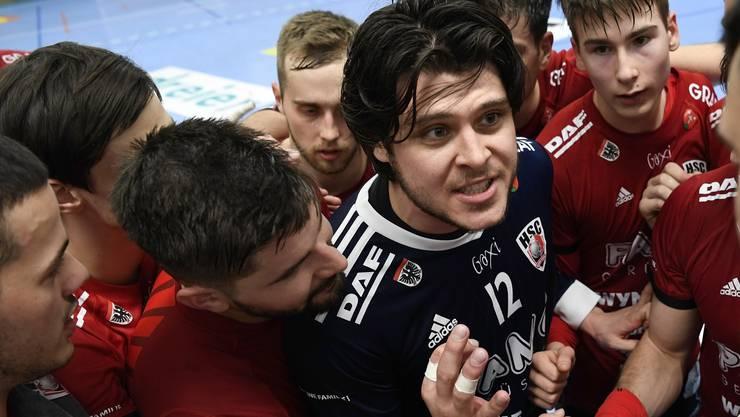 Jubel um Goalie Dario Ferrante (Mitte).