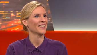 Nachhilfe für verkrampfte Schweizer: Caroline Fux erklärt, wie man flirten üben kann.