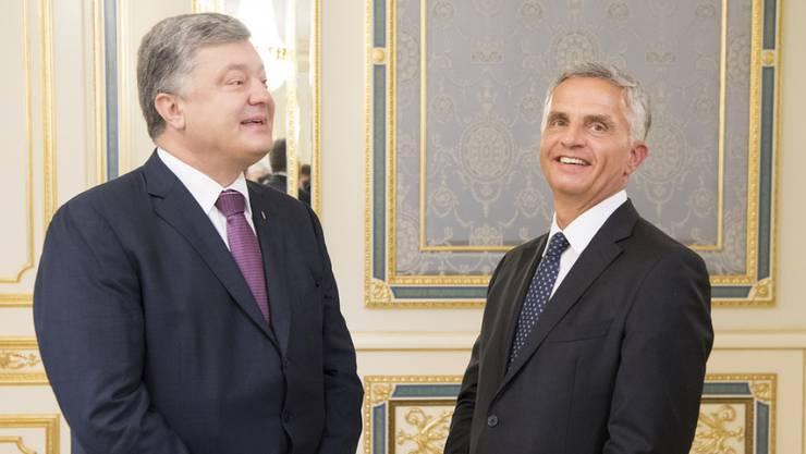 Petro Poroschenko (l.) und Didier Burkhalter am Mittwoch bei ihrem Treffen in Kiew.