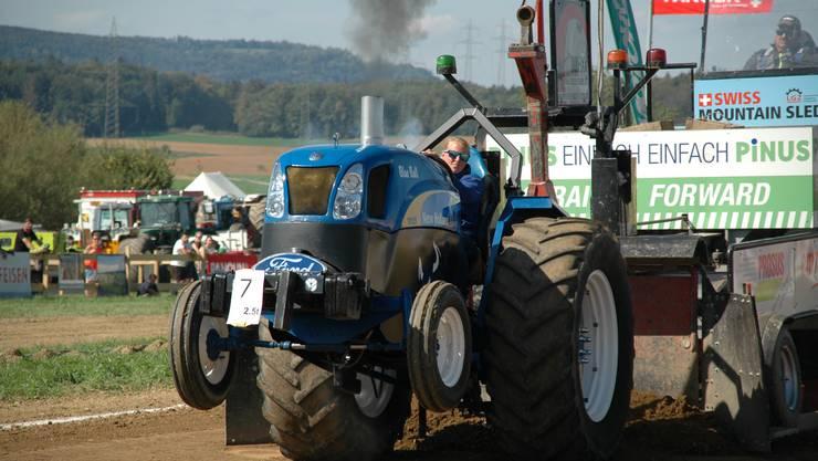 Tractor Pulling ist längst keine Männerdomäne mehr, wie Daniela Sprenger aus Sissach beweist.