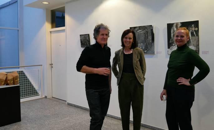 Frieda Schmidleitner (r.) Wilma Maier-Deiss und Dan Mulaj.