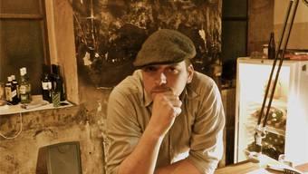 Mitveranstalter Christian Schön kann nicht mehr länger an der Bar in der Schlosserei stehen.