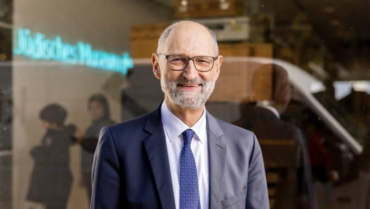 Der neue SIG-Präsident Ralph Lewin vor dem Jüdischen Museum der Schweiz in Basel.