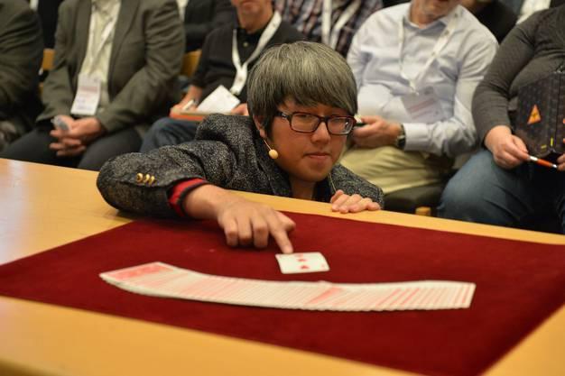 Seminar des Taiwanesen Horret Wu, Weltmeister Kartenzauberei 2015