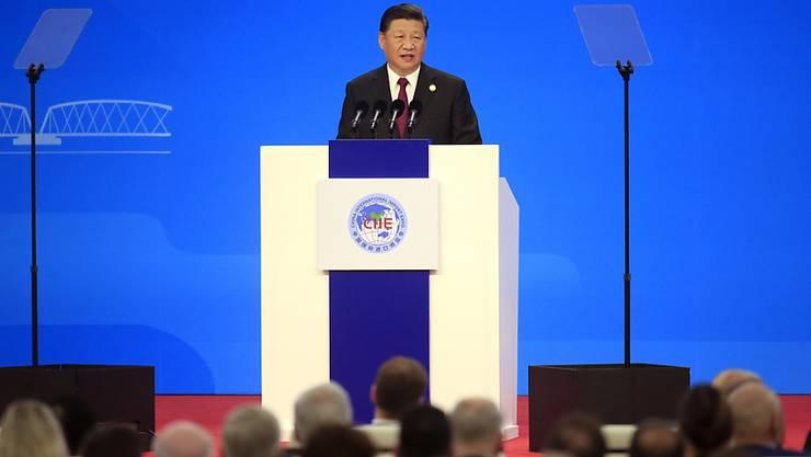 Mehr Importe und verbesserter Marktzugang: Das versprach Chinas Präsident Xi Jinping am Montag in einer Rede zur Eröffnung der ersten internationalen Importmesse CIIE in Shanghai.