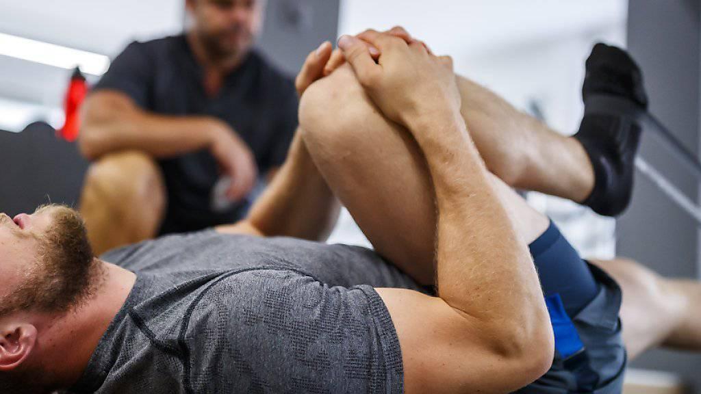 Justin Murisier (im Vordergrund) musste das Trainingslager in Neuseeland wegen Knieschmerzen abbrechen