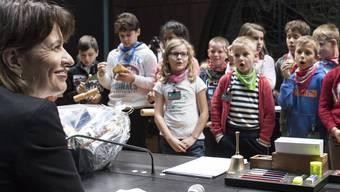 Doris Leuthard empfängt vier Schulklassen