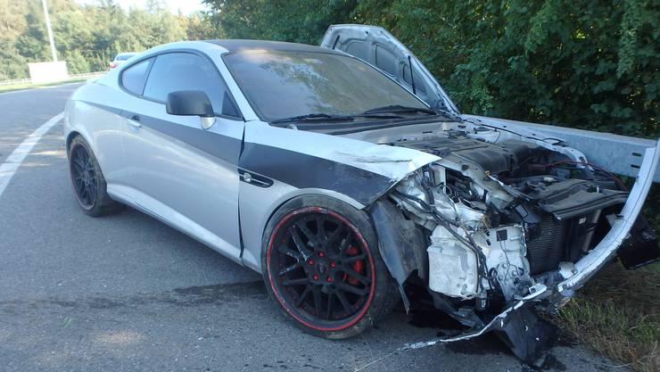 Der Wagen wollte bei der Autobahneinfahrt Mägenwil auf die A1, als es zur Kollision kam.