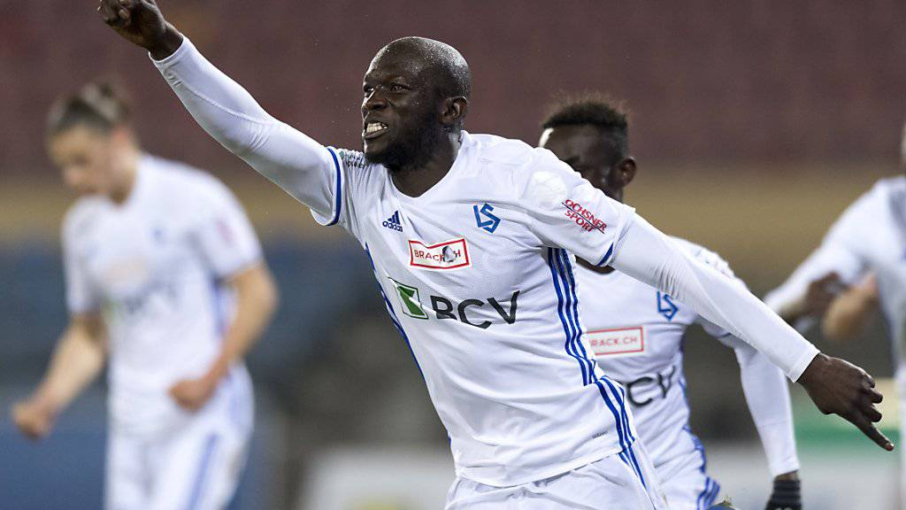 Igor Nganga bejubelt sein spätes Tor im Match gegen Rapperswil-Jona
