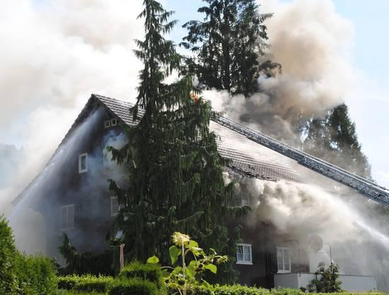 Ein Raucherstäbchen löste das Feuer aus.