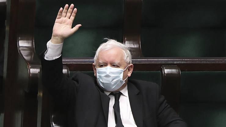 Jaroslaw Kaczynski will, dass die Richter seinem populistischen Kurs nicht länger im Wege stehen. (Bild: Keystone)