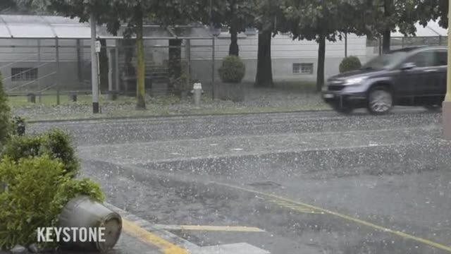 Blitzeinschlag überflutete Keller Hagelschauer Ein Heftiges