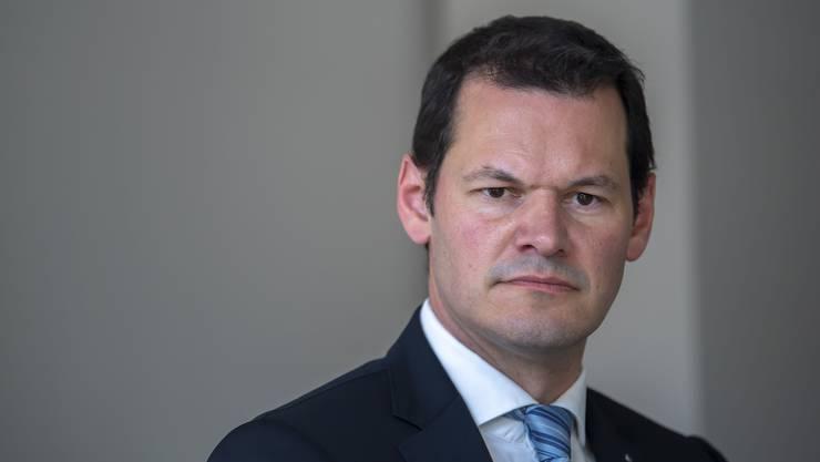 Staatsrat Pierre Maudet steht mit dem Rücken zur Wand: Nun hat ihn sein Kantonalvorstand der FDP aus der Partei ausgeschlossen.