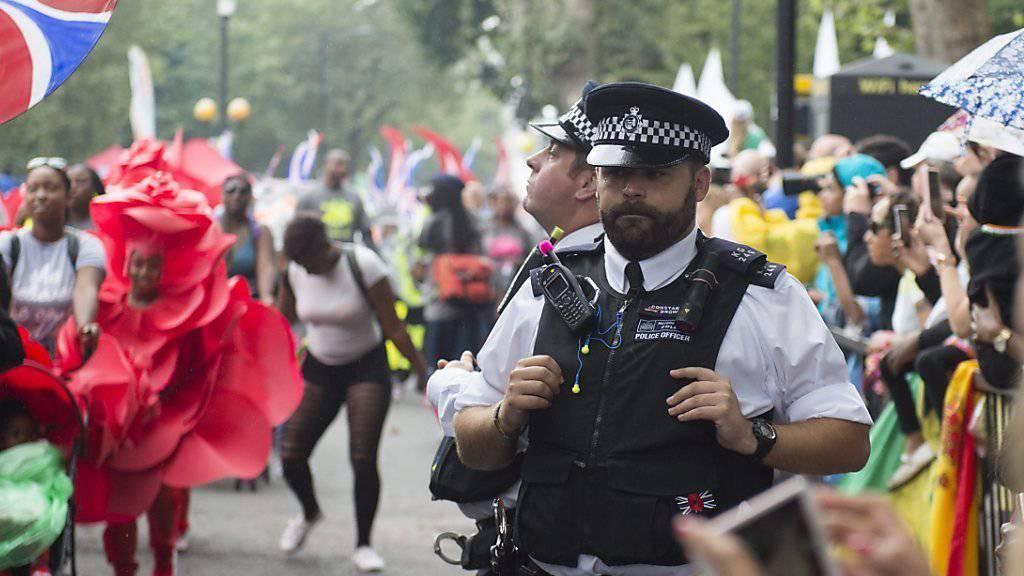 Polizisten hatten am Notting Hill Karneval in London einiges zu tun.