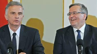 Für regelmässige Gespräche: Burkhalter und Amtskollege Komorowski