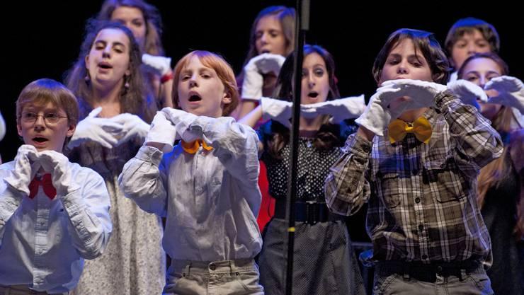 Die Jugendlichen geben beim Chorsingen gerne vollen Einsatz. zvg