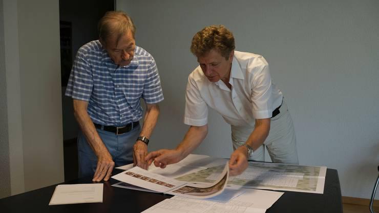 Baukommissionspräsident Peter Mohr (l.) und Zentrumsleiter René Brüggemann freuen sich über den Projektfortschritt.