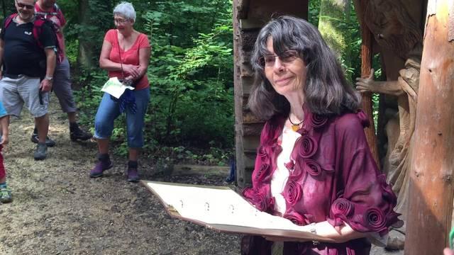 Märli-Frau Marianne Meyer erzählt das Märchen von Jorinde und Joringel
