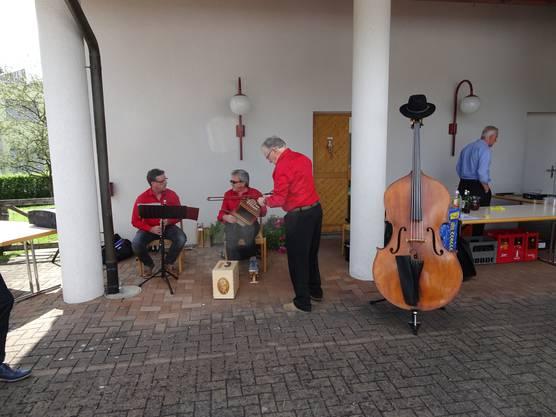 Das Ländlertrio umrahmte das Fest musikalisch