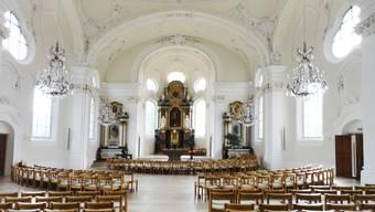 Chor und Kirchenschiff wirken heller, das Gold der Ornamente und die Farben der Altarbilder und Skulpturen leuchten kräftig. zvg/Fontana & Fontana