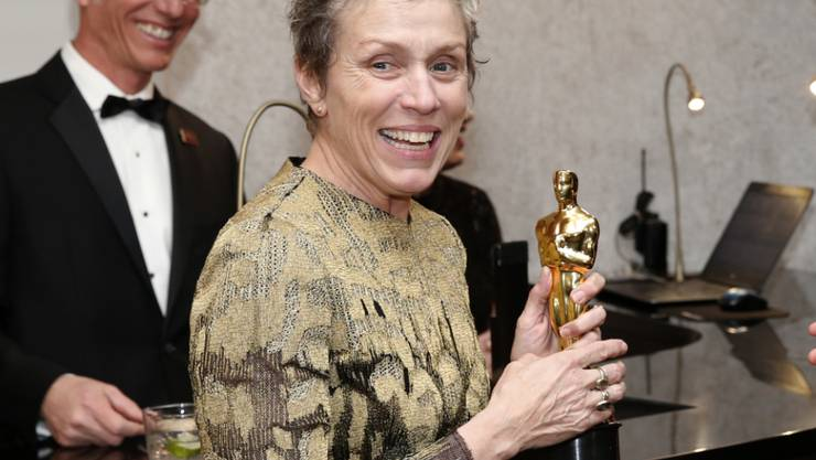 """Diese Oscar-Trophäe wurde ihr bei einer Feier nach der Verleihung gestohlen: Schauspielerin Frances McDormand (""""Three Billboards Outside Ebbing, Missouri""""). (Archivbild)"""