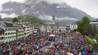 Lebendige Tradition und gelebte Demokratie:  An der Landsgemeinde lenken die Glarnerinnen und Glarner jedes Jahr Anfang Mai die Geschicke des Kantons.