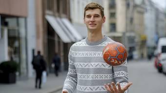 Luca Engler trifft am Samstag in seiner Jugendhalle in Birsfelden mit dem RTV Basel auf Abstiegskonkurrent Endingen.