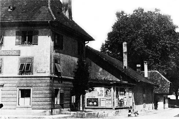 Die Anbauten des alten Restaurants Rosengarten auf der Ostseite Richtung Kruzackerquai vermittelten einen eher tristen Anblick.