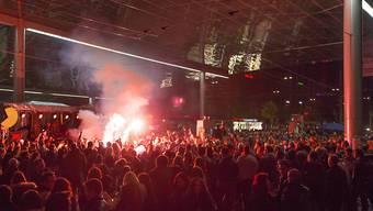 """Beim """"Tanz dich frei"""" 2013 in Bern war es zu Ausschreitungen gekommen. Den Behörden gelang es nicht, die Organisatoren ausfindig zu machen. (Archivbild)"""