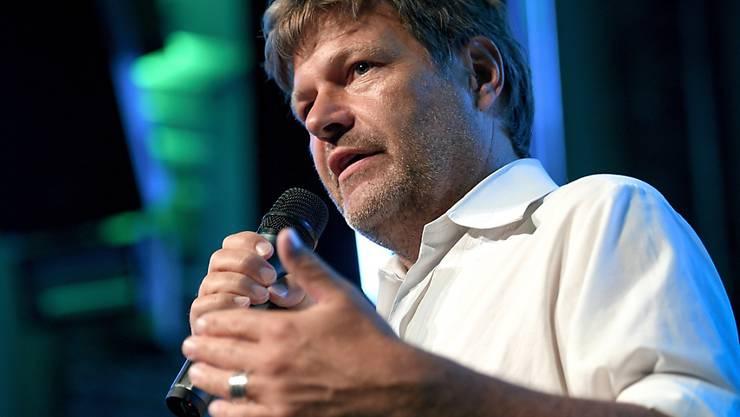 Grünen-Chef Robert Habeck und seine Partei stehen derzeit Hoch in der Wählergunst der Deutschen. (Archivbild)