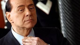 Berlusconi hat sich operieren lassen (Archiv)