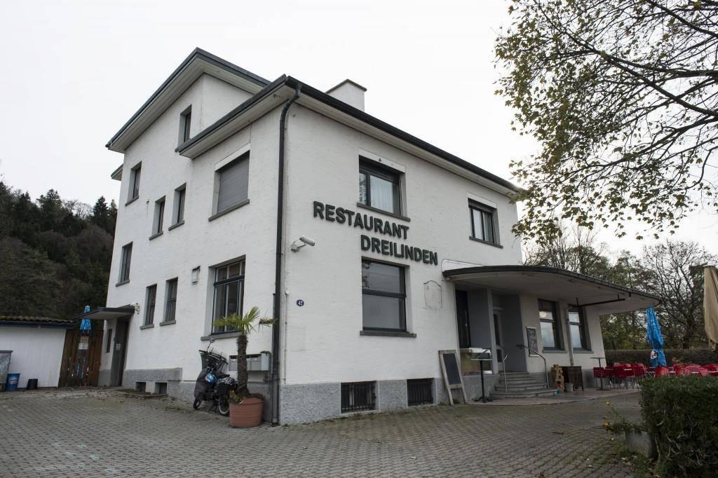 Perfekt gegrillt sei die Bratwurst im Restaurant Dreilinden. (© Tagblatt)
