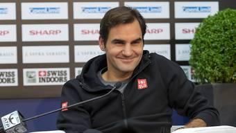 Roger Federer kann lächeln. Er gewann sein Auftaktspiel doch noch.