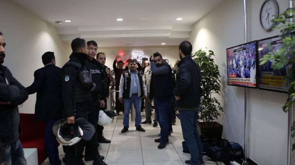 Razzia bei einem Medienunternehmen in der Türkei: Der Medienkonzern Koza-Ipek ist im Visier der Justiz. (Archiv)