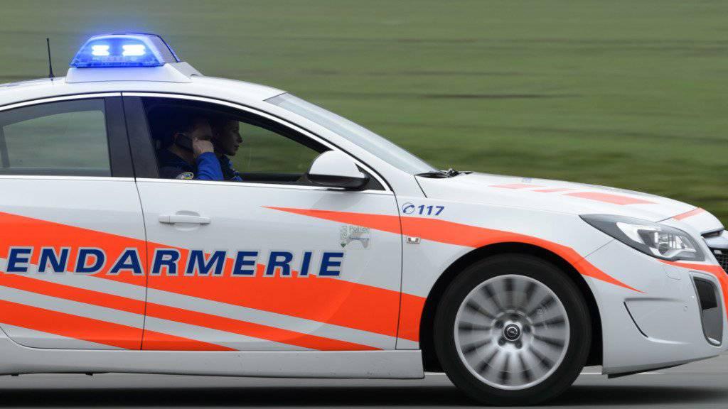 Auf der A9 bei Bex VD ist ein Autofahrer überfahren und getötet worden, der nach einer Panne ausgestiegen war. (Symbolbild)