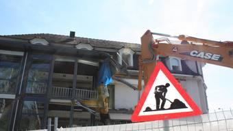Mauern fallen am Liestaler Bahnhof
