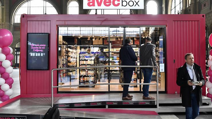"""Valora will keine selbstständigen Betreiber von Avec-Filialen mehr. Hier ein provisorischer Laden von """"avec box"""". (Archivbild)"""
