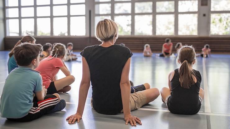 Zu wenig Bewegung: Das attestieren verschiedene Studien den Schweizer Kindern und Jugendlichen. (Symbolbild)