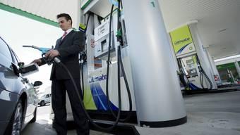 Schnell passiert: Benzin statt Diesel im Tank - auf keinen Fall den Motor starten.