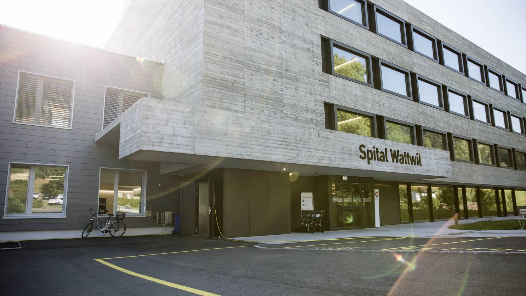 Auch das Spital Wattwil gehört zu den sieben derzeitigen Spitälern, aus denen ein Gesundheits- und Notfallzentrum werden soll.
