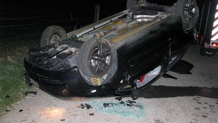 Der Fahrer zog sich beim Unfall mittelschwere Verletzungen zu.