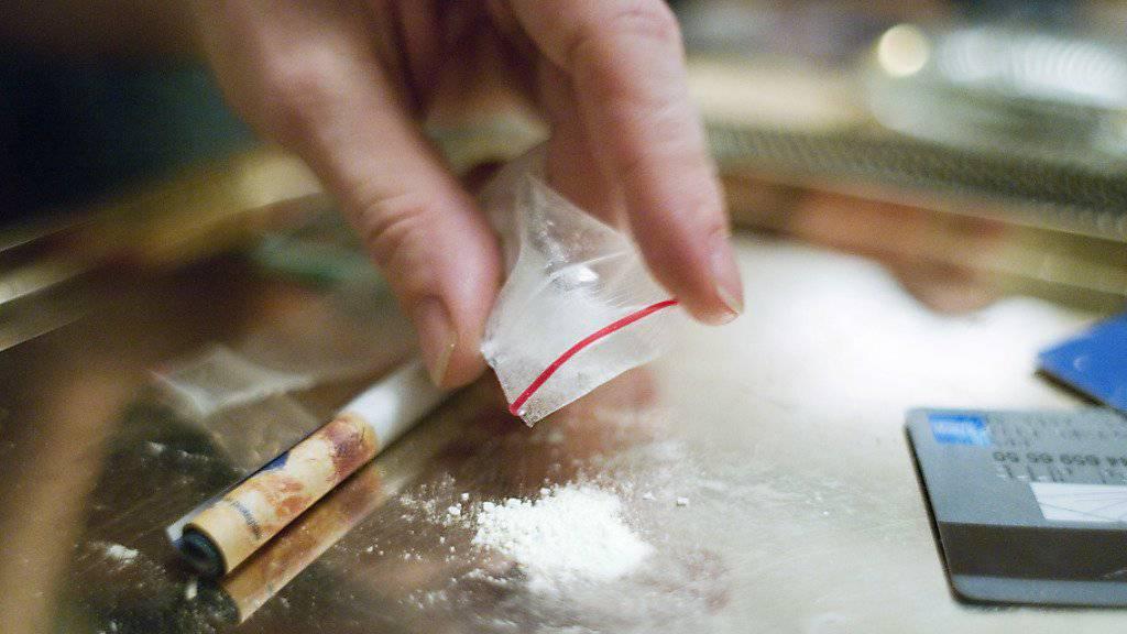 Die Bundesanwaltschaft fordert für zwei mutmassliche Kokainschmuggler Freiheitsstrafen von zehn und zwölf Jahren. (Symbolbild)